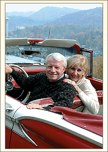 couple_in_classic_car.png